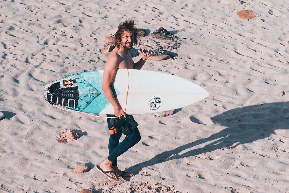 Andi im Feierabend Modus - Surfen anstatt von Couch im Winter!
