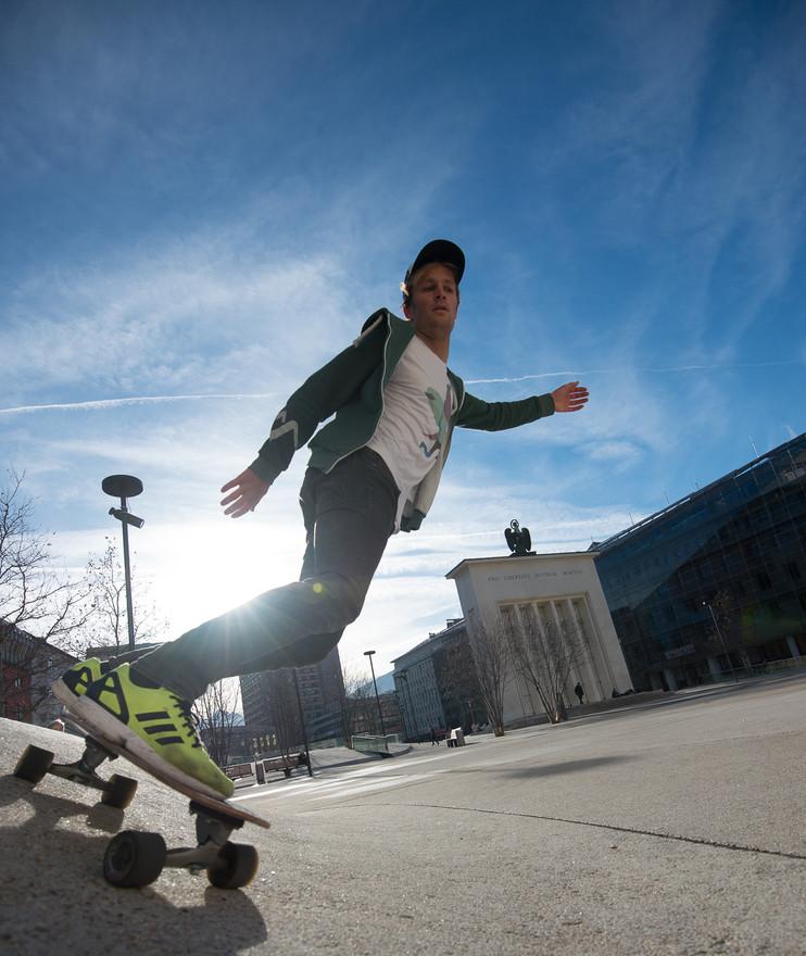 Skating / Longboarding Sport Model Andreas Müllner Foto by Daniel Hug / Terragraphy