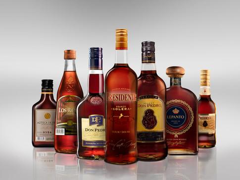 botellas_pedrodomeq.jpg