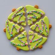 Christmas-tree-cookies-090504.jpg