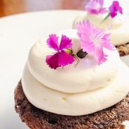 Cupcakes-Flowers-195042.jpg