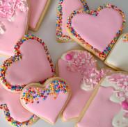 Valentine-pink-heart-cookies-135412.jpg