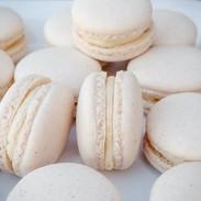 Macarons-white-164102-716.jpg
