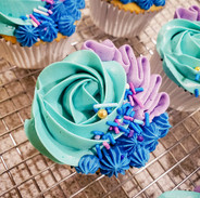 Cupcakes-blue-purple-220440.jpg