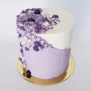 Faultline cake in shades of lilac
