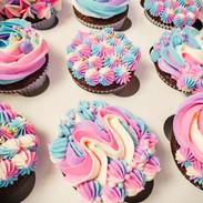 Cupcakes-Rainbow-215718.jpg