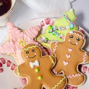 Gingerbread-boy-girl-cookies-7349.jpg