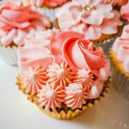 Cupcakes-peach-rosettes-121139.jpg