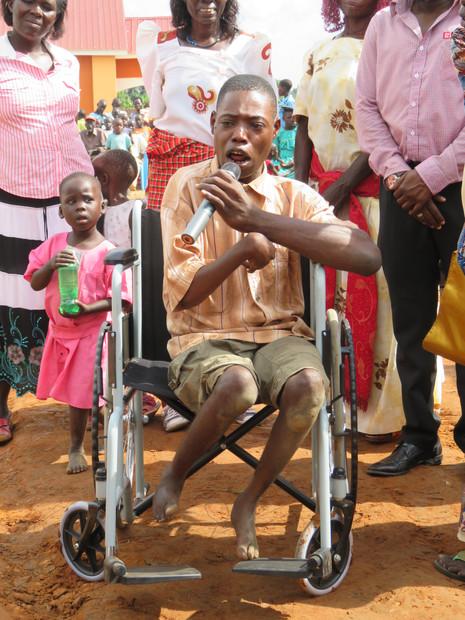 Wir sind in Uganda die besseren Hunde /// Ein Leben auf den Knien