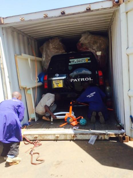 6 Tonnen von Fritzlar nach Kampala