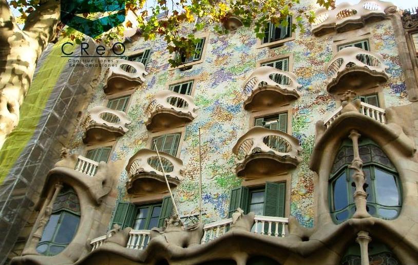 Casa Mila (La pedrera)/Gaudí