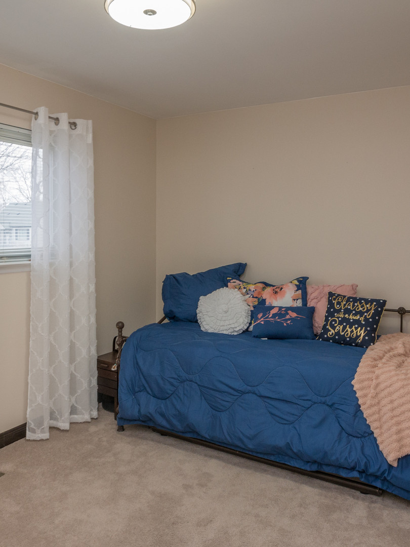17 - 2319 Columbia Bedroom 3.jpg