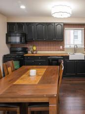 5 - 2319 Columbia Kitchen 1.jpg