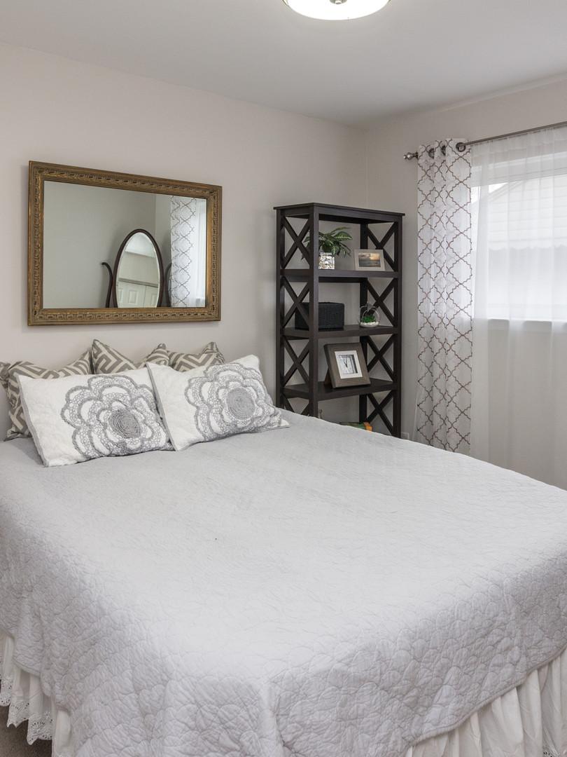 15 - 2319 Columbia Bedroom 2.jpg