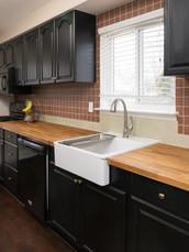 6 - 2319 Columbia Kitchen 2.jpg