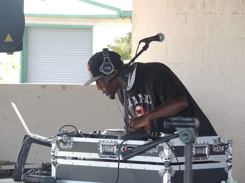 DJ LIVE LEE