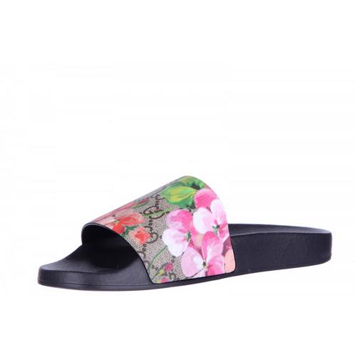 a685821cf6b Gucci GG Blooms Supreme Slide Sandals