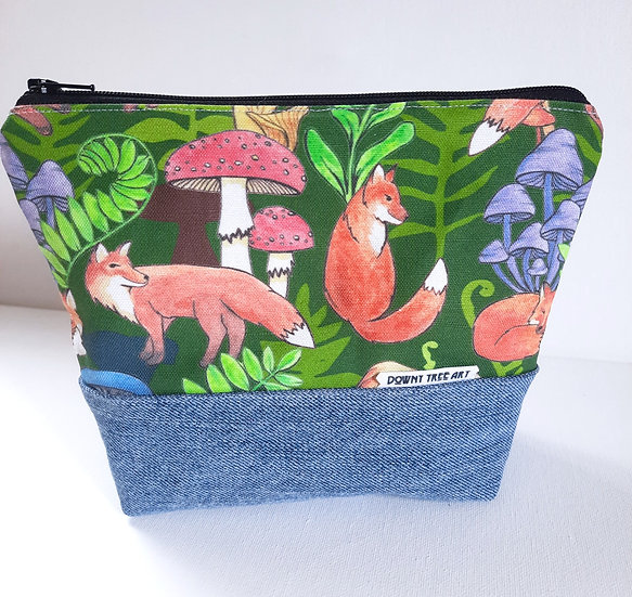 Frolicking Foxes Boxy Bag