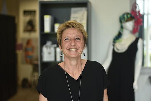 Florence la gérante chez Unique et Féminine Cournon