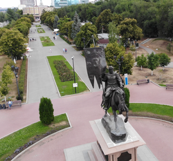 Набережная. Памятник Г.Засекину