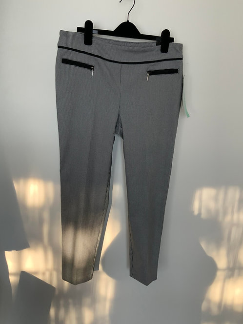 SOHO Apparel Limited Ankle Pant Size PL