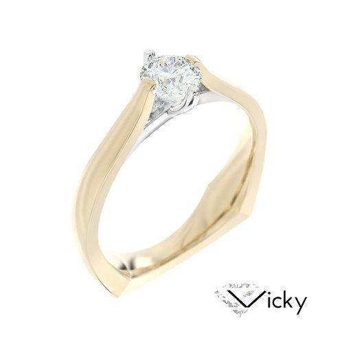 """""""Vicky"""" pierścionek z diamentem z żółtego i białego złota"""