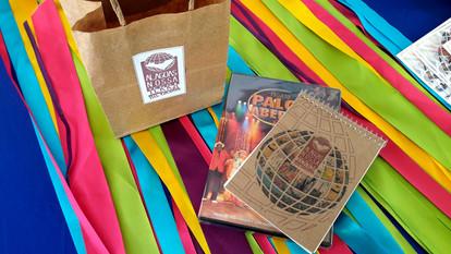 Kits para Sorteio Pais de Alunos - Sacolinha + DVD Palco Aberto + Caderneta