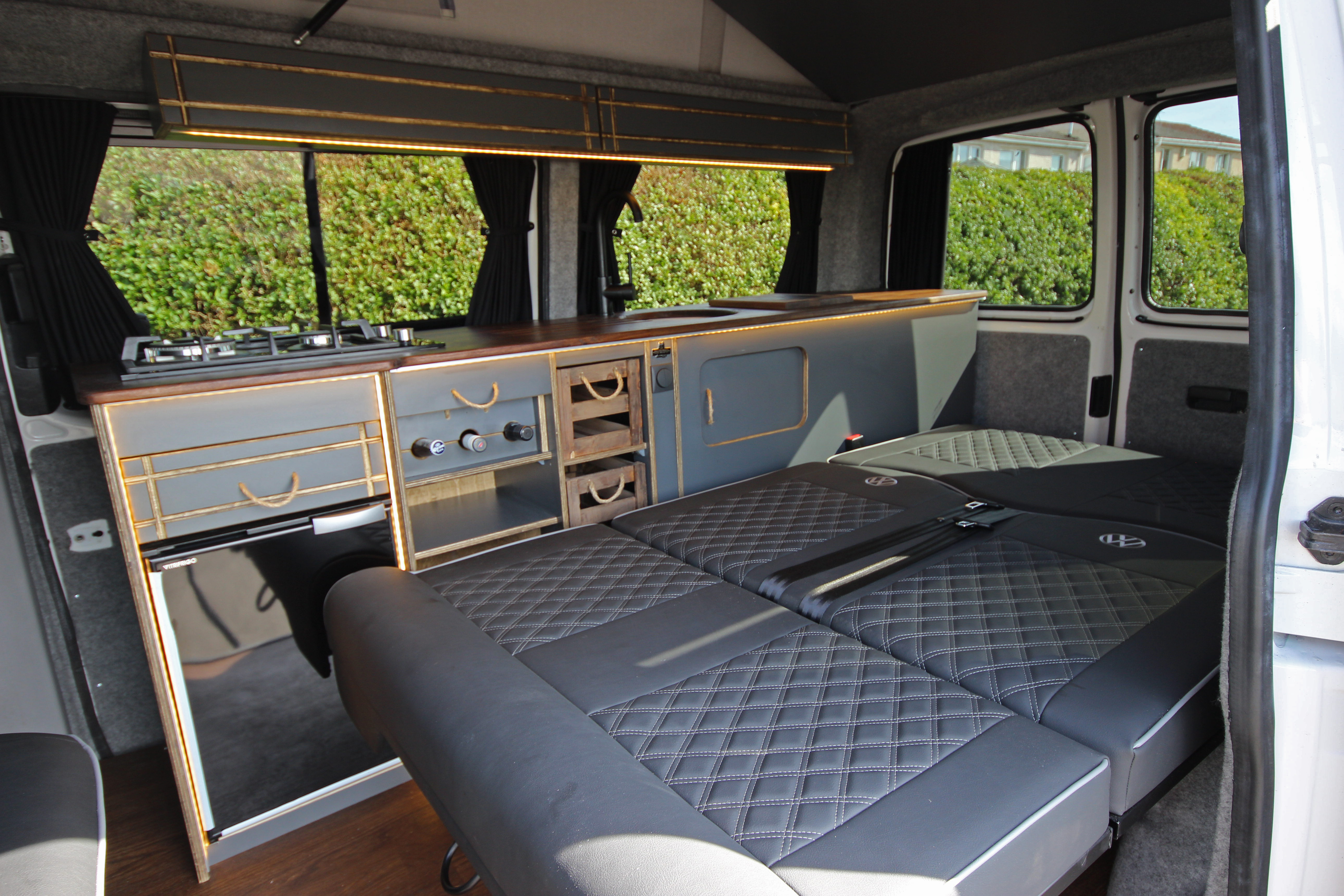PJ12 HHZ INTERIOR BED
