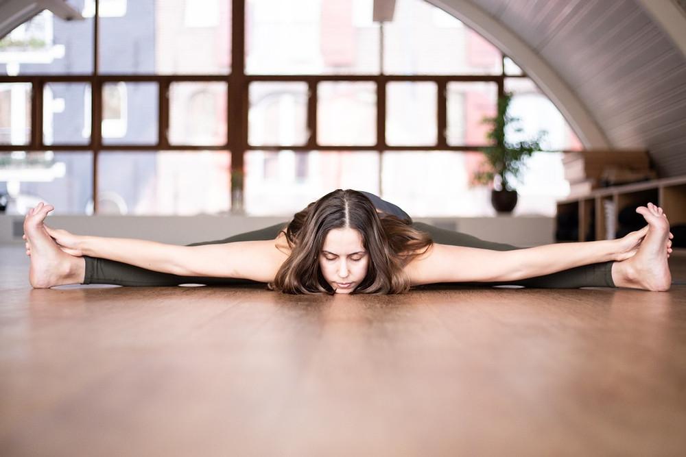 Advanced yoga pose Amsterdam