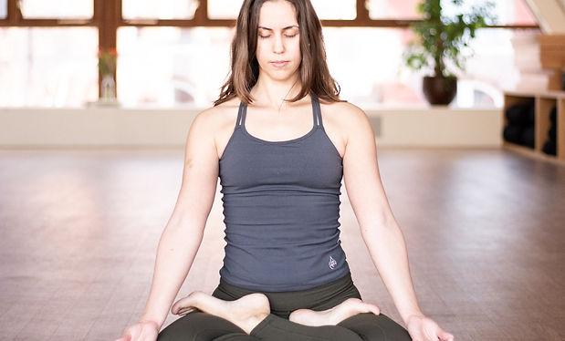 Breathing in yoga and pranayama workshop Amsterdam Online