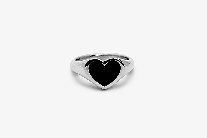 Onyx Heart Ring - Anello chevalier in argento 925, forma a cuore, castone con pietra onice - Mama Schwaz Shop Milano
