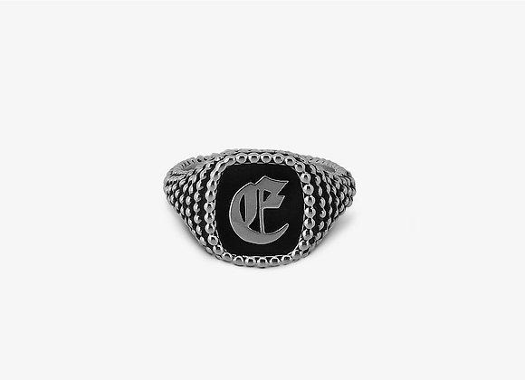 Anello borchiato piccolo gotico - Studded Gothic Ring