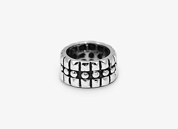Anello a fascia con borchie - Old Studded Band Ring by Mama Schwaz Milano