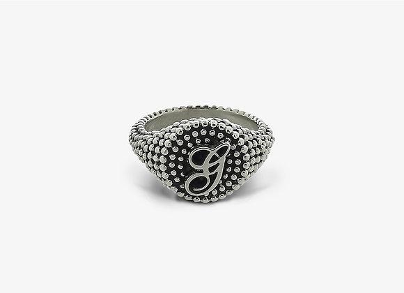 Anello borchiato corsivo - Studded Cursive Ring - Mama Schwaz shop online Milano