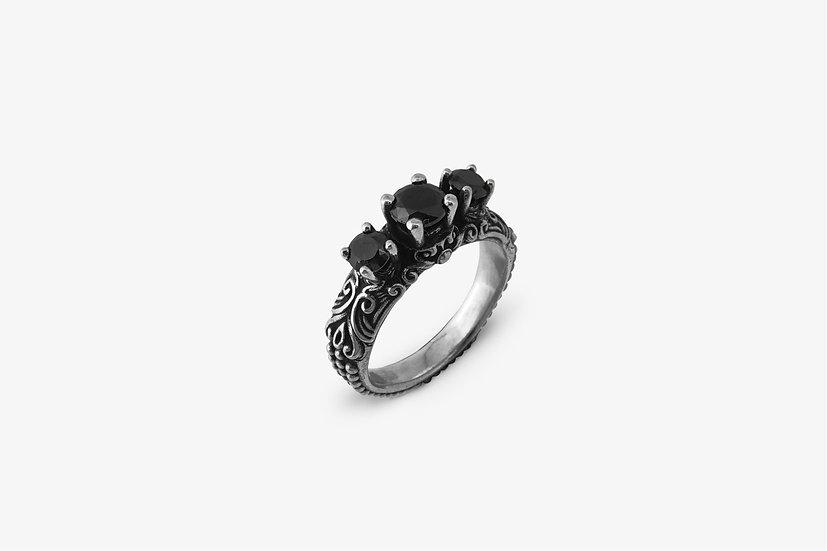 Anello-fidanzamento-con-3-pietre-nere