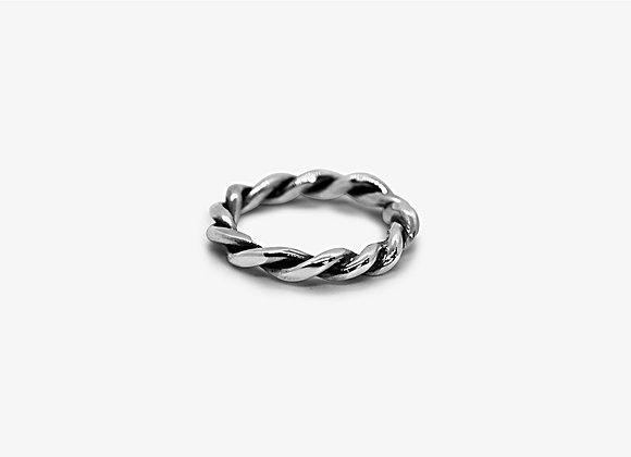 Swirly Ring - Anello in argento 925, forma di filo intrecciato - Mama Schwaz Shop Milano