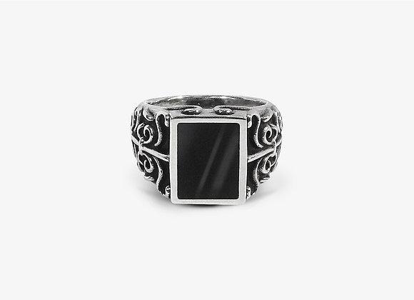 Anello gotico in onice - Gothic Onyx Ring by Mama Schwaz Milano