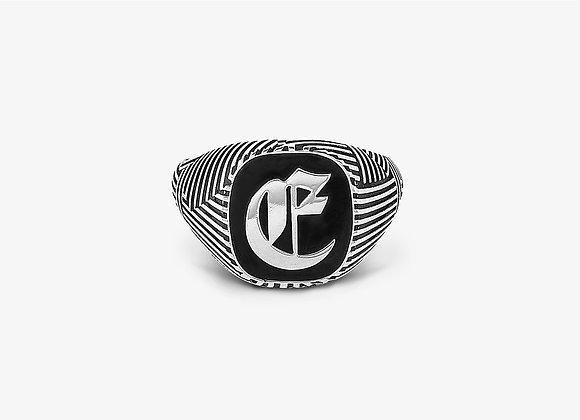 Anello rigato con lettera gotica - Gothic Stripes Ring