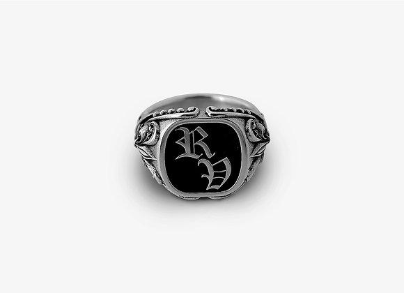 Anello gotico con due lettere - Double Gothic Ring by Mama Schwaz Milano