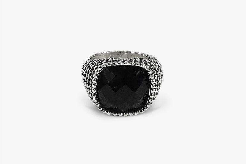 Anello borchiato con onice - Studded Faceted Onyx Ring by Mama Schwaz Milano