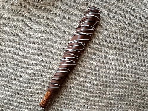 Caramel pretzel rods