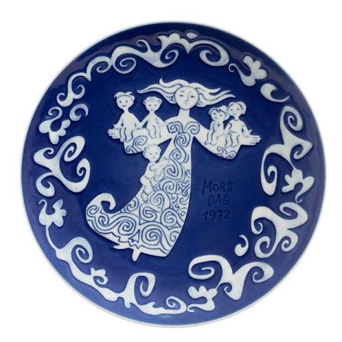 Royal Copenhagen Mother's Day Plate 1972