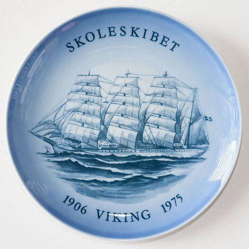 1906-1975 Bing & Grondahl SHIP Plate   SKOLESKIBET VIKING