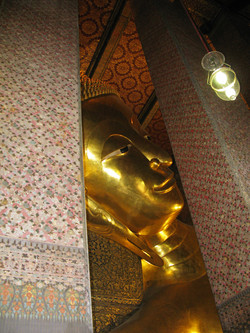 Wat Pho - Temple of Reclining Buddha