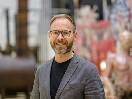 Museumsdirektor Beitin zur Erdöl-Ausstellung in Wolfsburg