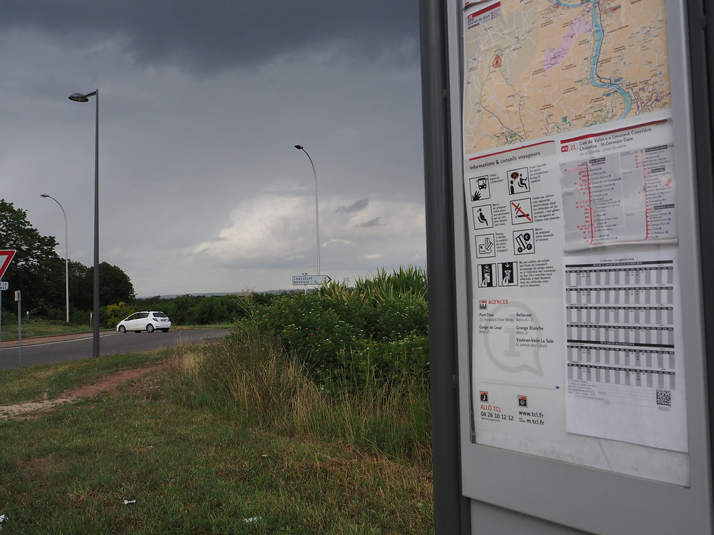 arrêt de bus Montluzin