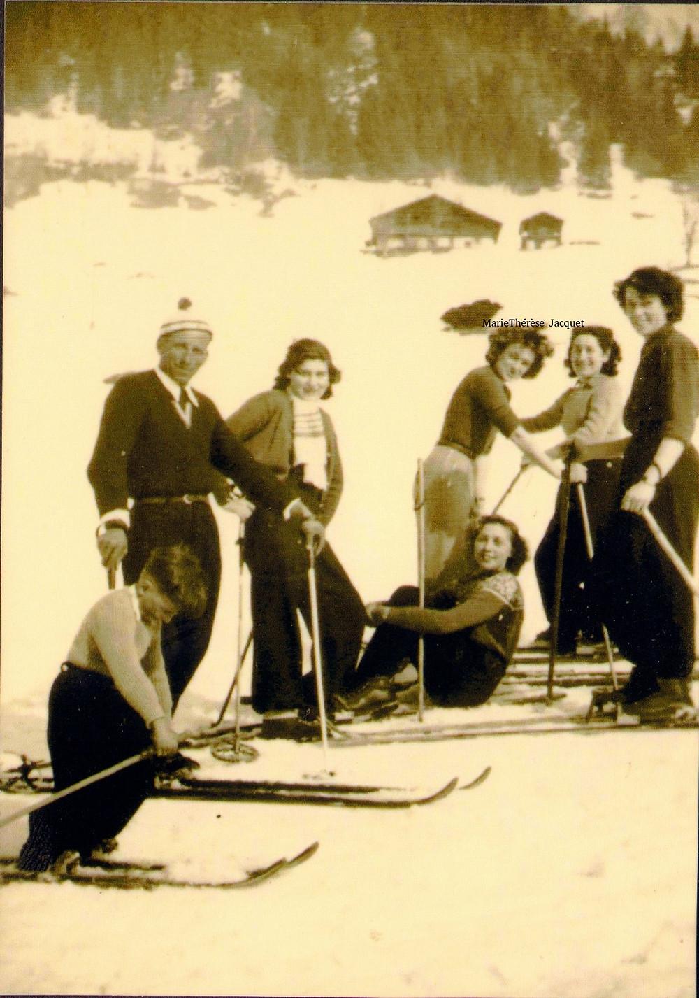un cours de ski, j'ai su le nom du moniteur