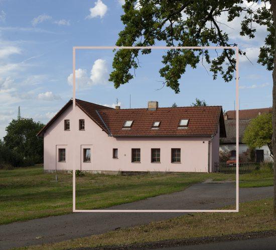 maison visée par un large collimateur d'autofocus