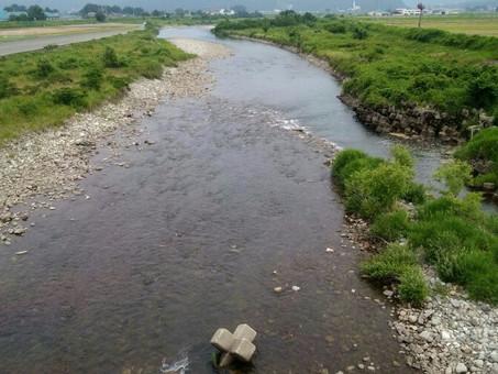 解禁前日の真名川の様子