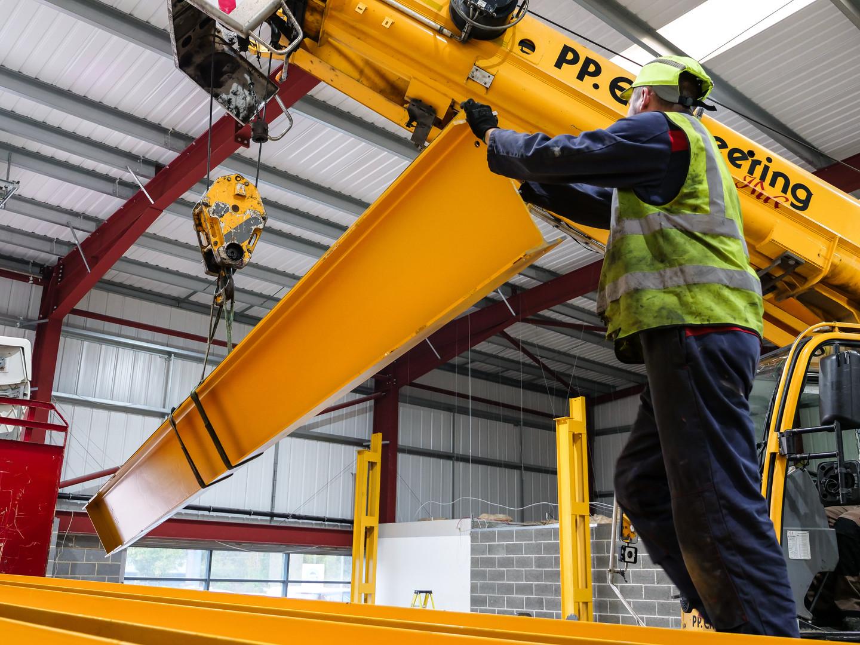 Overhead Cranes Workers Cobal Cranes